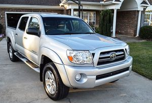 For sale 2005 Toyota Tacoma 4WDWheels Clean Carfax for Sale in Baltimore, MD