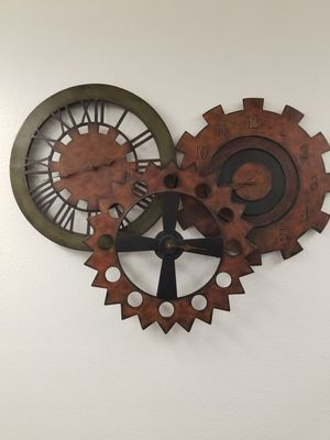 Large wall art, clock...FREE for Sale in Tumwater, WA
