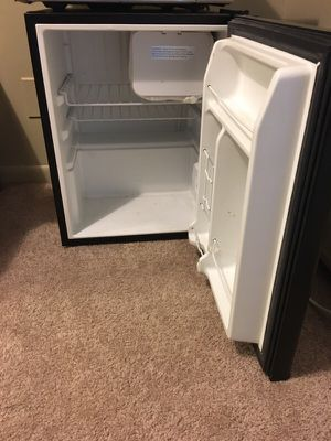 Small refrigerator for Sale in East Lansing, MI