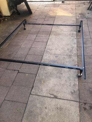 Queen size bed frames in good working conditions for Sale in Vernon, CA