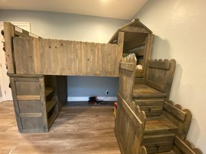 KIDS FORT STYLE WOODEN LOFT/BUNK BED COMBO for Sale in Glendora, CA