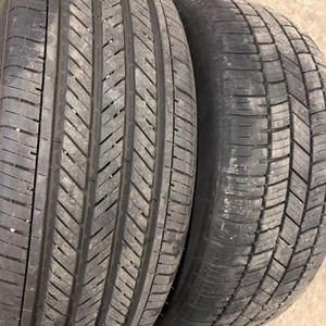 2 Tires 225 50 17 for Sale in Lincoln, RI