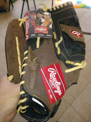 "Rawlings p140 LH 14"" softball glove for Sale in Spring Valley, CA"
