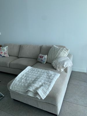 Sectional couch with chase for Sale in Miami, FL
