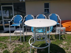 High top table for pool or lania for Sale in PT CHARLOTTE, FL
