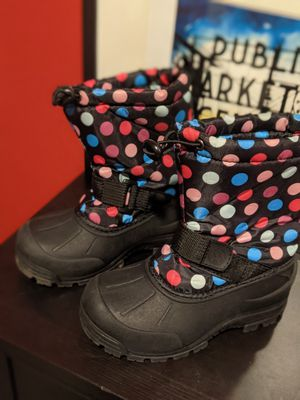 Snow boots for kiddos sz 13 for Sale in Milwaukie, OR