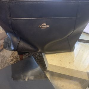 Authentic Coach Purse for Sale in Cleveland, OH