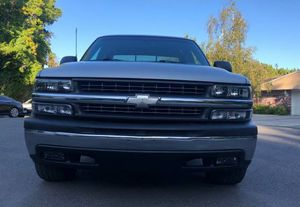 2001 Chevy Silverado good tires all around for Sale in St. Louis, IL