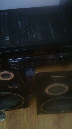 Pioneer speakers Sony receiver just needsa fuse12 in pick up olny for Sale in Columbus, OH