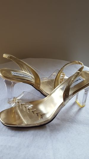 Women's gold and lucite sandal for Sale in Garrison, MD