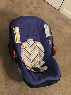 Car seat 40$ for Sale in Columbus, GA