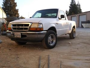 1998 ford ranger inline 4 RWD for Sale in Fresno, CA