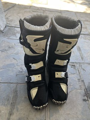 Ridding boots kids size 3 for Sale in El Centro, CA