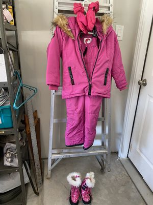 Canada Weathergear Girls Snow Suit, Snow Gloves and Snow Boots for Sale in Tomball, TX