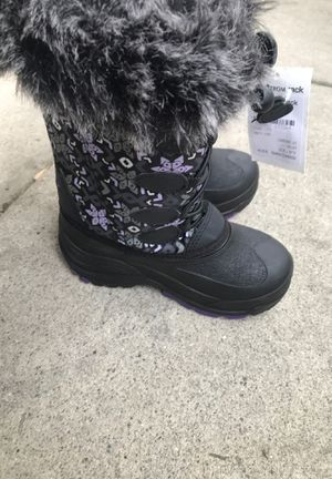 girl snow boots size 12 brand new for Sale in Cerritos, CA