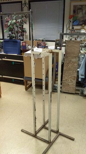 A retail store rack for Sale in Saginaw, MI