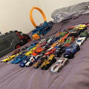 Hot Wheels Cars 67 Good Collection Kendall Area for Sale in Miami, FL