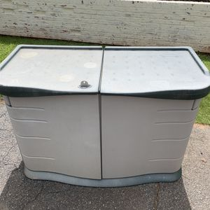 Rubbermaid pool storage shed for Sale in Marietta, GA