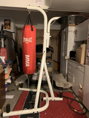 Dual Heavy Bag Stand w/punching bag for Sale in Acton, CA