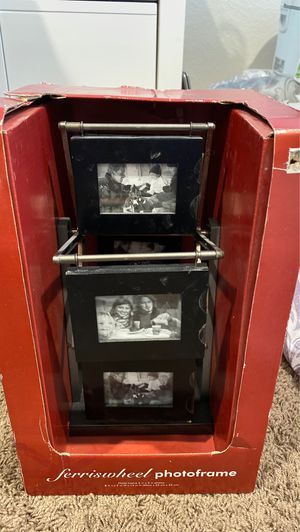 Ferris Wheel Picture Frame for Sale in Murrieta, CA