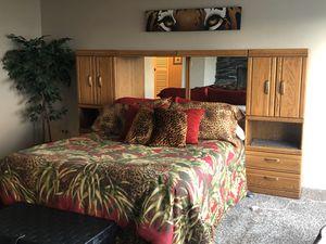 Queen Bedroom Set~ 6 piece for Sale in Fircrest, WA