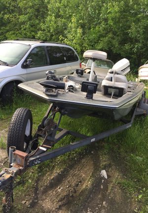 86 Glass stream bass boat for Sale in Columbus, OH
