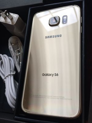 Samsung galaxy s6- just like new with accessories + clean IMEI for Sale in Springfield, VA