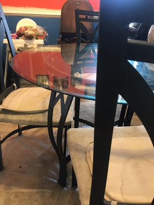 4 chair Dining room set for Sale in Hyattsville, MD