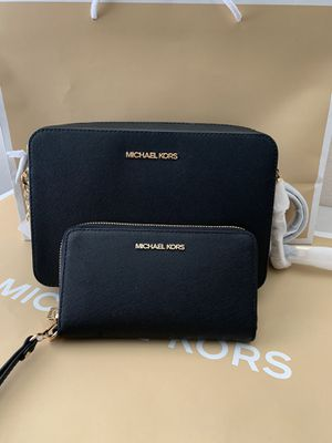 Brand new!!!! 💯Real !!! Michael kors Crossbody purse with matching wallet for Sale in Pomona, CA