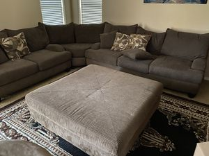 Sectional w/ Large Ottoman for Sale in Cave Creek, AZ