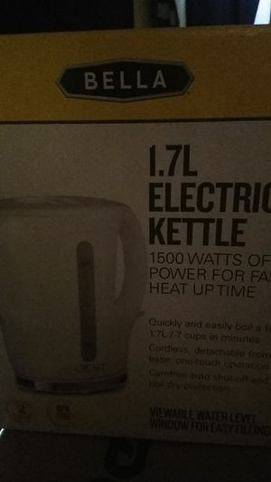 1.7L electric tea kettle for Sale in Chelsea, MA