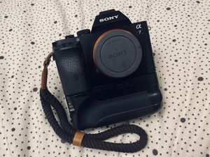 Sony a7 mirrorless camera for Sale in University Place, WA