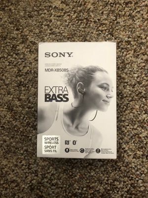 Sony headphone Bluetooth MDR XB50BS for Sale in Tampa, FL