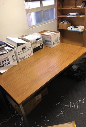 Office table for Sale in Los Angeles, CA