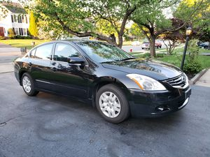 2010 Nissan Altima 2.5s with 193,000 miles for Sale in Ashburn, VA