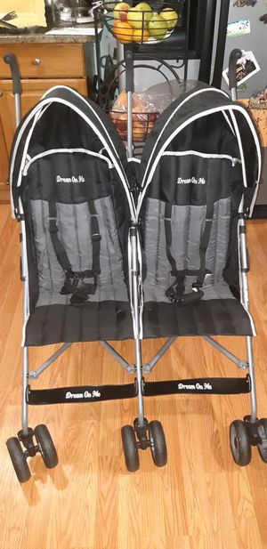 Umbrella double stroller for Sale in Tacoma, WA