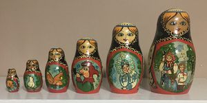 Russian Nesting Dolls Set of 6 for Sale in Burtonsville, MD