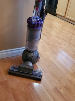 Dyson Animal Slimball Vacuum for Sale in Vancouver,  WA