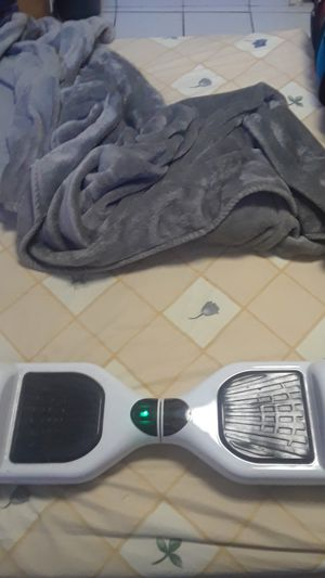 almost brand new all white hoverboard(NO CHARGER) for Sale in Medley, FL