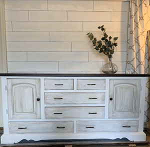 Dresser/buffet/tv stand for Sale in Nicholasville, KY