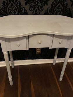 Vintage Vanity Table for Sale in Los Angeles,  CA