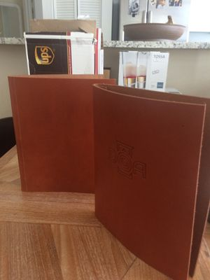 LEATHER MENUS for Sale in Miami, FL