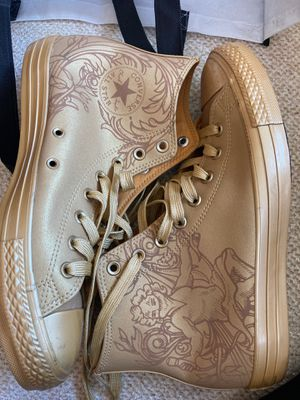 Gold Converse size 9 for Sale in Gaithersburg, MD