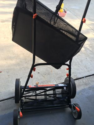 Push Reel lawn mower with bag grass catcher. for Sale in Los Angeles, CA