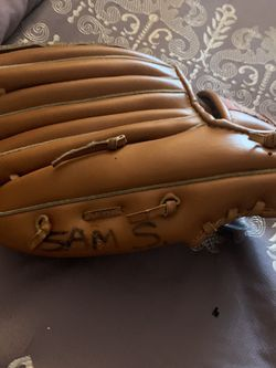 Child Baseball Glove for Sale in National City,  CA
