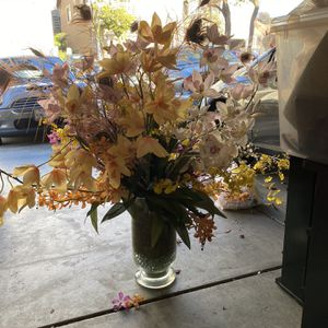 Faux Flowers (large Case Included) for Sale in South San Francisco, CA