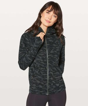RARE Lululemon Size 4 Camo Scuba Hoodie Top (Zip) Women's Yoga Running Gym Clothes for Sale in Canton, MI
