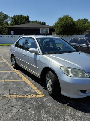 HONDA CIVIC 2004 fully powered sunroof one owner very clean inside and out runs great $3500 for Sale in Oak Lawn, IL