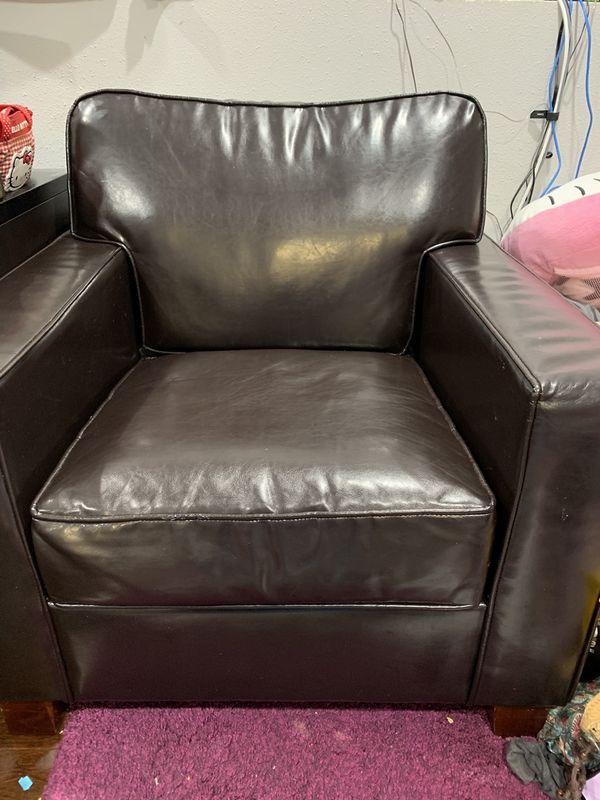 Leather Chair ( Black) very nice