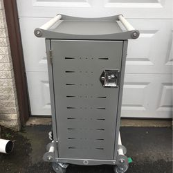 Computer Charging Cart for Sale in Lynnwood,  WA